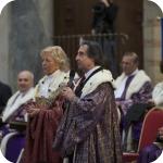 Lida Viganoni e Riccardo Muti, sullo sfondo il Senato Accademico