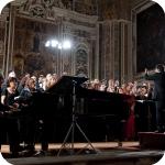 Al pianoforte Riccardo Fiorentino