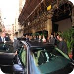 Il Presidente Giorgio Napolitano all'uscita di Palazzo Du Mesnil