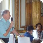 Francis Tollis durante la discussione