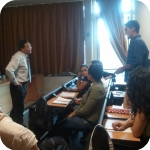 Dibattito tra Huang Weiping e gli studenti