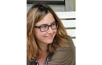Camille Schmoll (Fonte: sito web personale - http://sites.google.com/site/camilleschmoll2/)