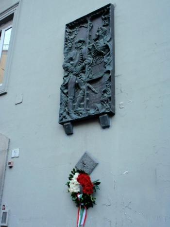 Bagnoli, targa commemorativa