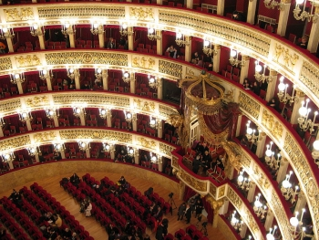 L'interno del Teatro San Carlo