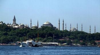 Una veduta della Basilica di Santa Sofia e della Sultanahmet camii, anche nota come moschea blu, di Instanbul